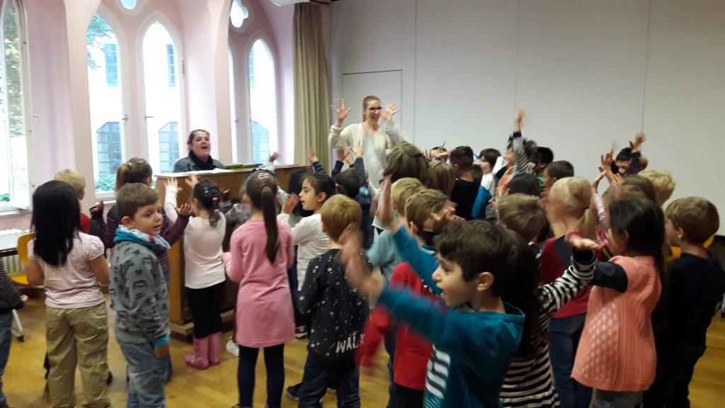 Die Schule singt